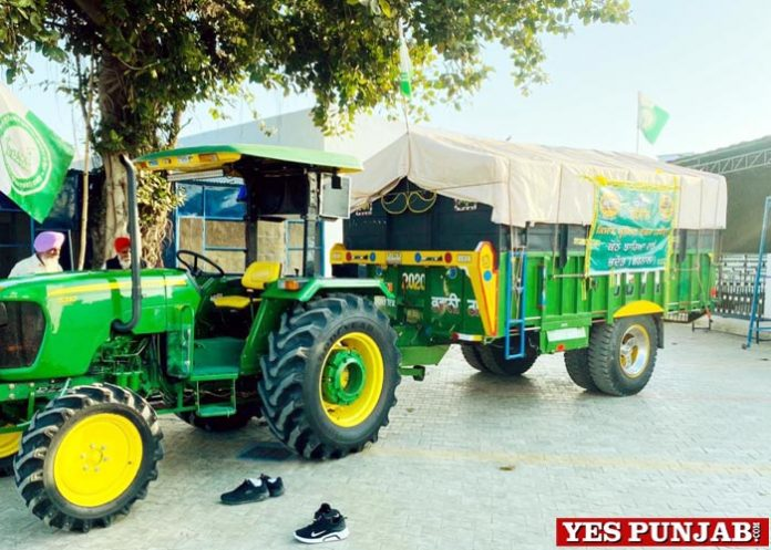 farmers taking Fans Coolers to Delhi Borders