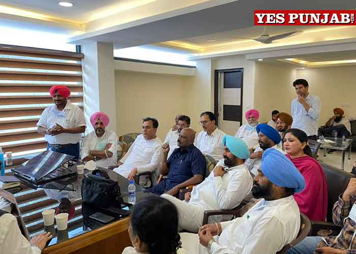 Sidhu meeting with Dalit MLAs Workers 2