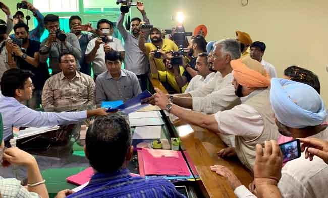 Jakhar Files Nomination from Gurdaspur