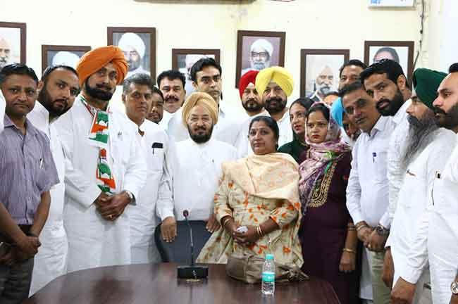Kharar councilors join congress