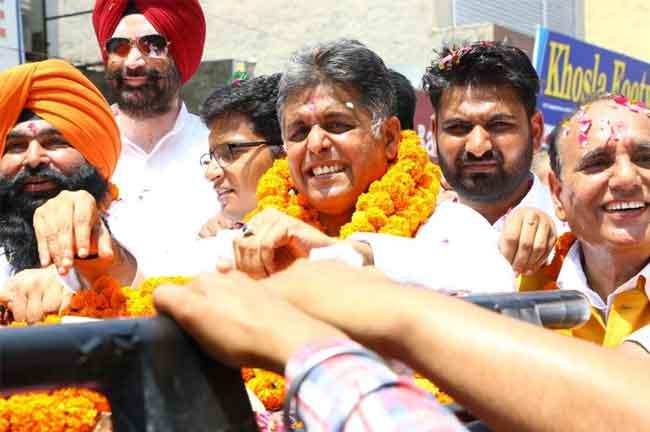Manish Tewari roadshow at Banga