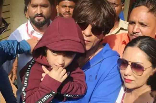 SRK Gauri Abram LS Voting