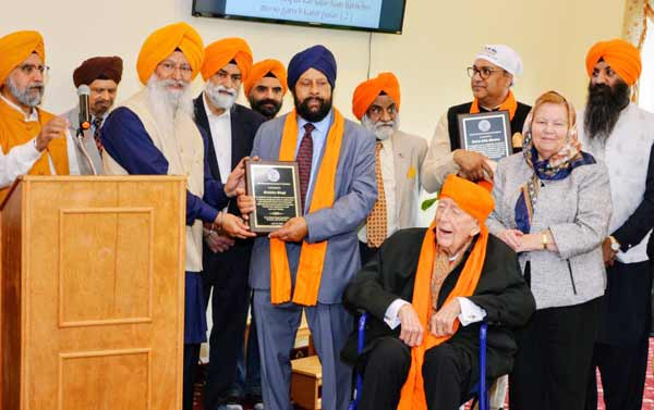 Washington Sikhs honour Kartarpur corridor