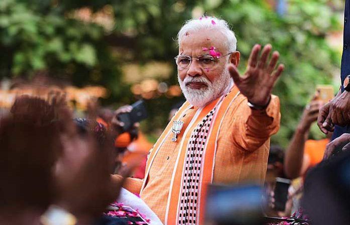 Modi Waving Swear in
