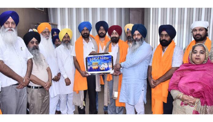 Ajaab Singh honoured KS Pannu