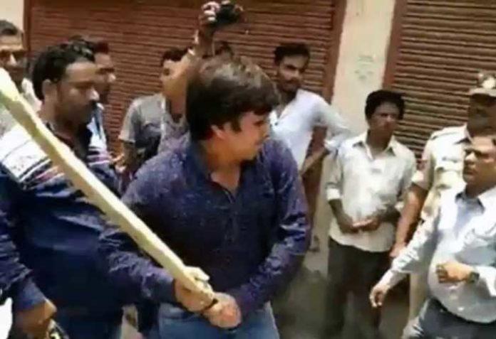 Akash Vijayvargiya Beating civic official