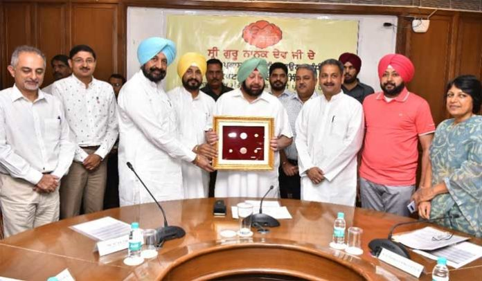 Amarinder medallions Launch Ministers