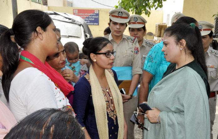 Manisha Gulati Awareness Drive Women Rights