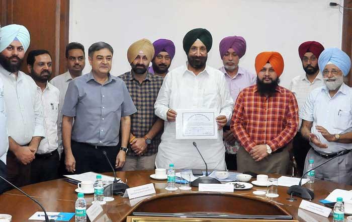 Sukhjinder Randhawa Sugarcane meeting