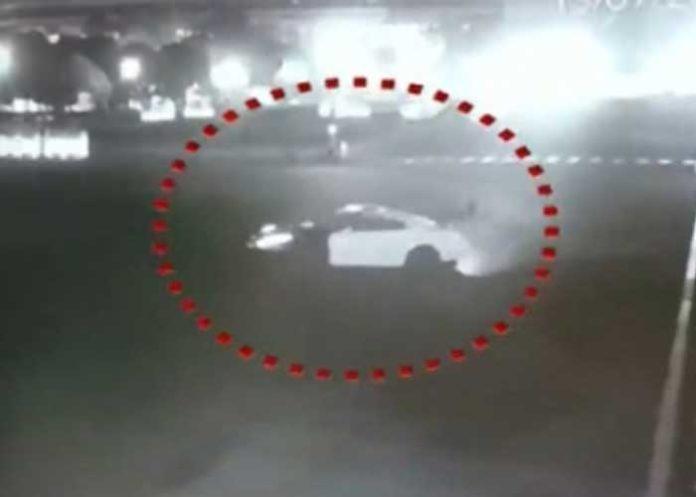 Vijay Chowk Nissan GTR Stunt