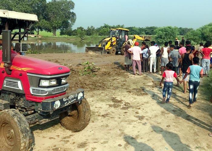 Breach in Bharwai Bikaner Canal