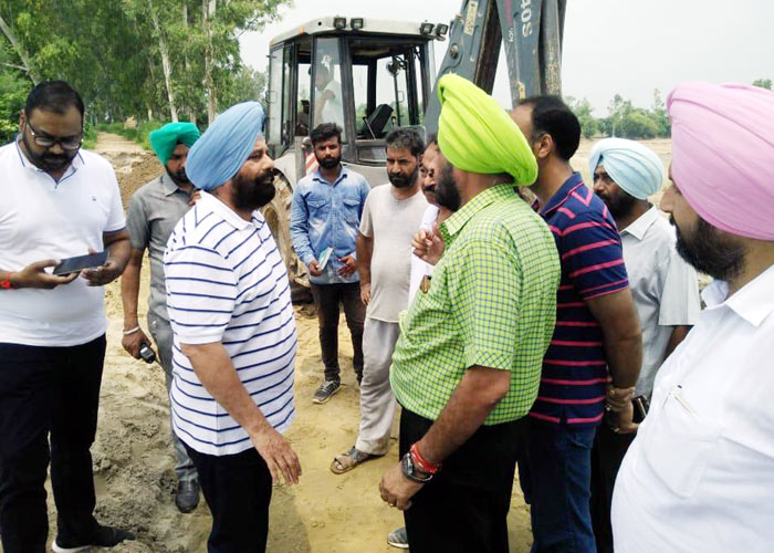 Sarkaria reviews plugging in Ludhiana villages