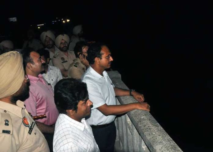 Varinder Sharma Army flood situation review