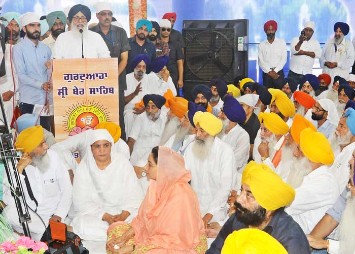 Badal Speaking at Painting Wall event Sultanpur Lodhi