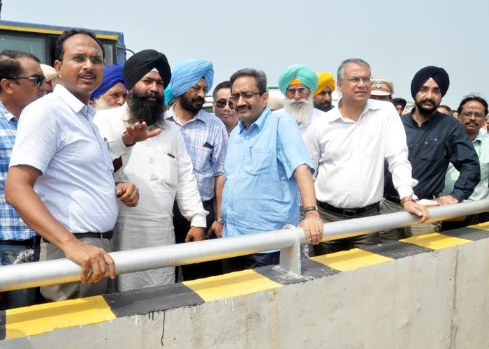 Central team visit flood hit villages