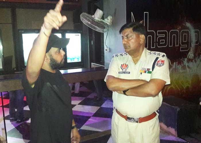 Firing at Hangout Bar Jalandhar 1