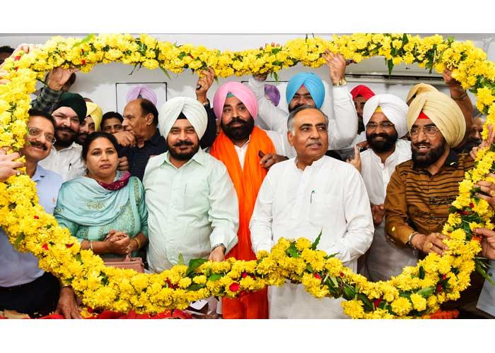 Harjinder Singh Contractor assume as Backfinco Chairman