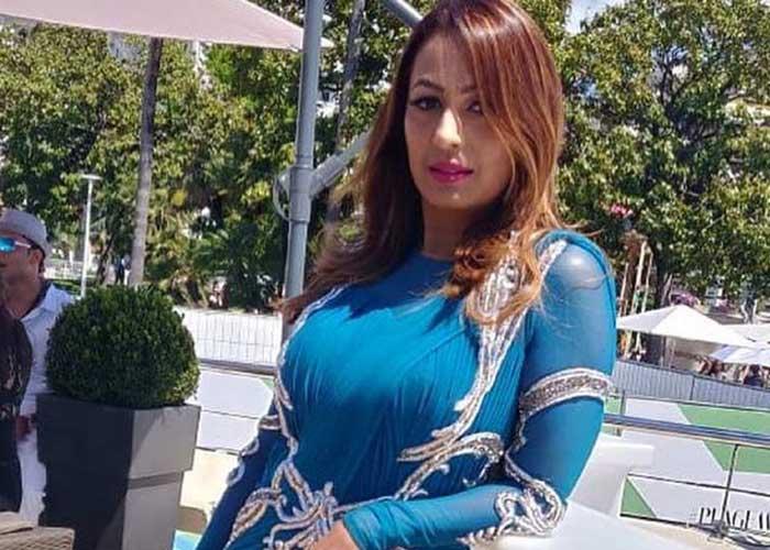 Kashmera Shah 1 1