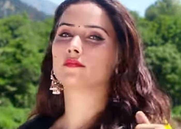 Sana Pashto Singer