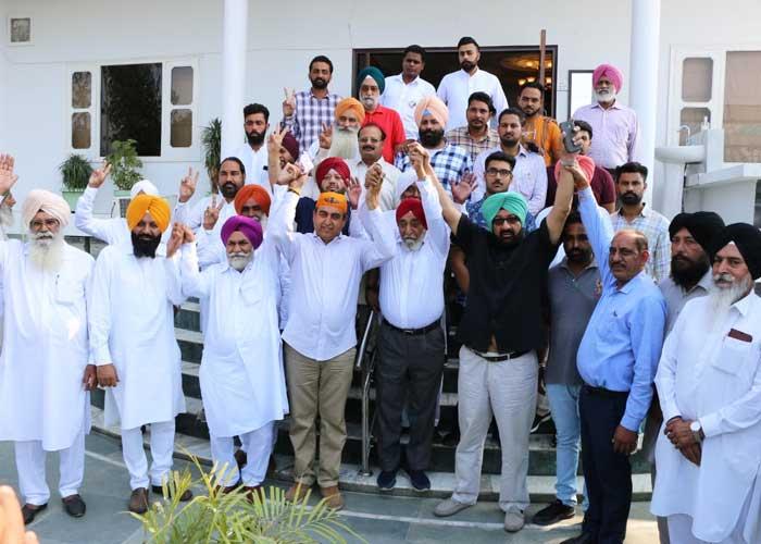 Jassi Khangura family join Capt Sandhu Dakha