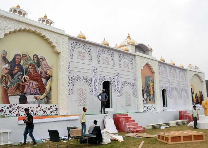 Light Sound Show Digital Museum Mohali preparation