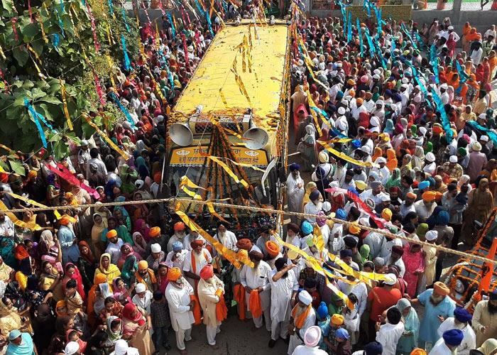 Nagar Kirtan proceeds Dhamdhan in Haryana