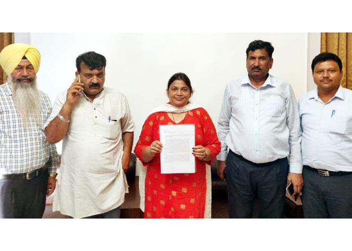 Neena Mittal Rice Shellers AAP
