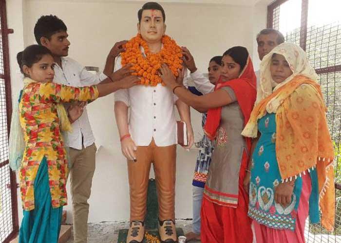 Sumit singh statue Bulandshahr