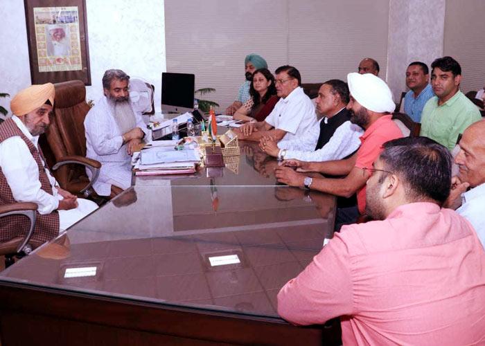 Tript Bajwa Bharat Bhushan Ashu at meeting