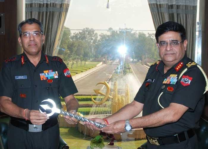 Lt Gen Sanjeev Sharma taking Command of Vajra Corps