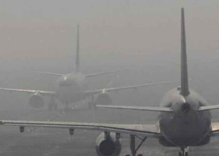 Flight in Fog Delhi