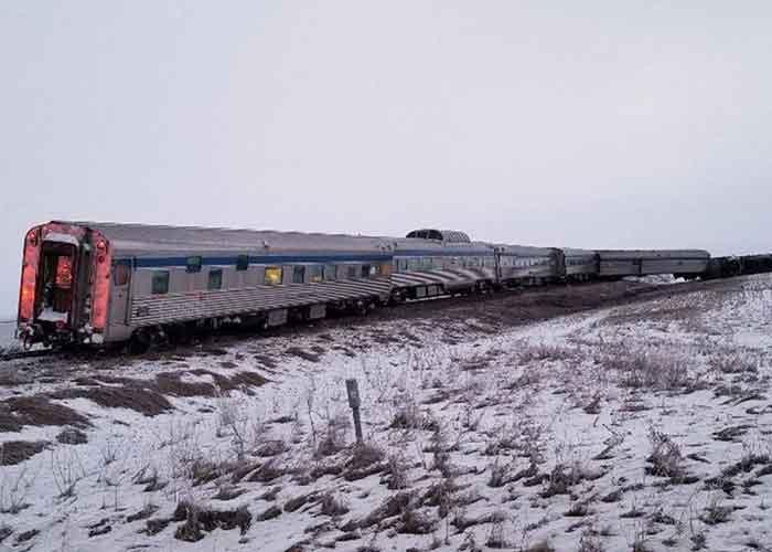 Canada train derail 1Jan20