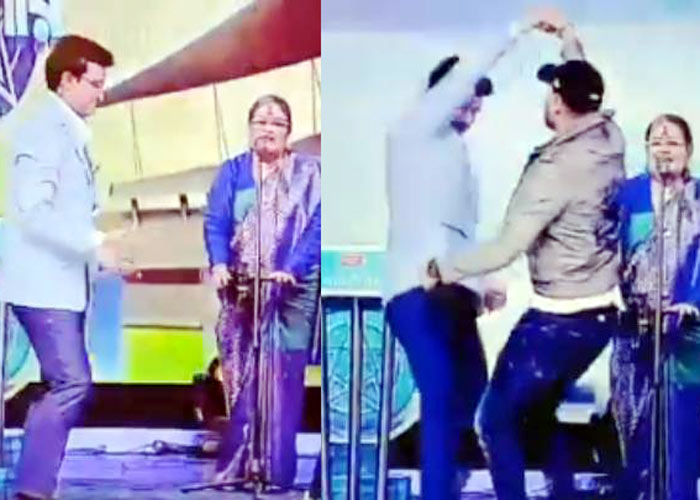 Harbhajan and Ganguly dance
