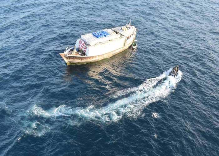 Indian Navy rescue Al Hamid ship