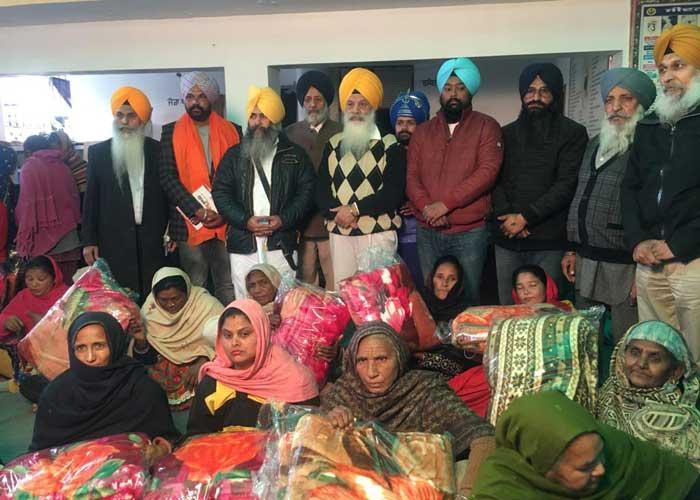 Jathedar Hawara Committee distributes Blankets