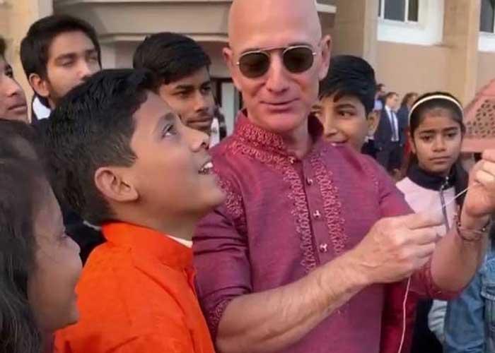 Jeff Bezos fly kite
