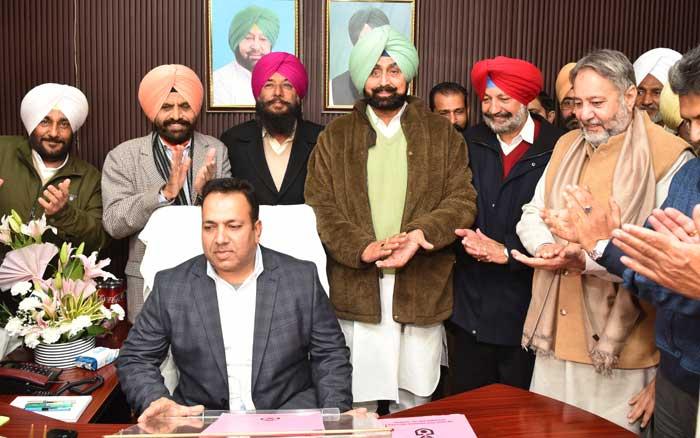 Kamaldeep Singh assume State Coop Agri Dev Bank charge