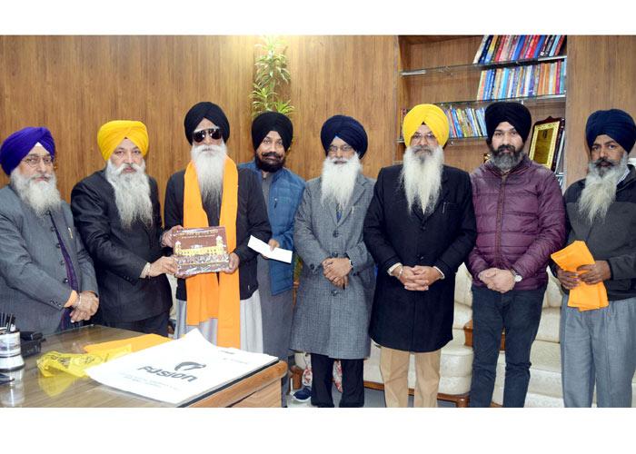 Ragi Gurmej Singh donates Golden Temple