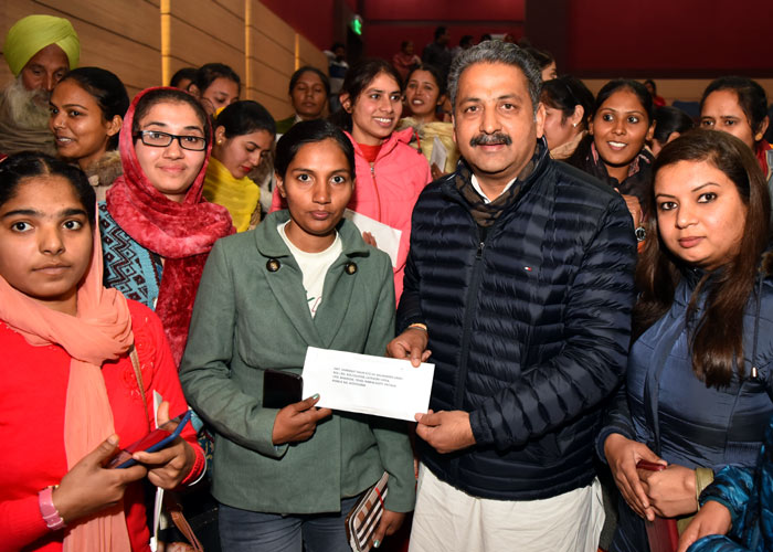 Singla hands over Appointment Letters
