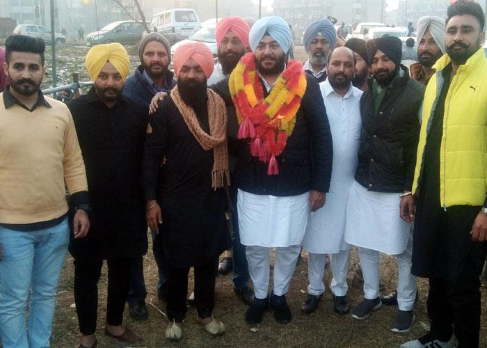 Bubby Badal with members