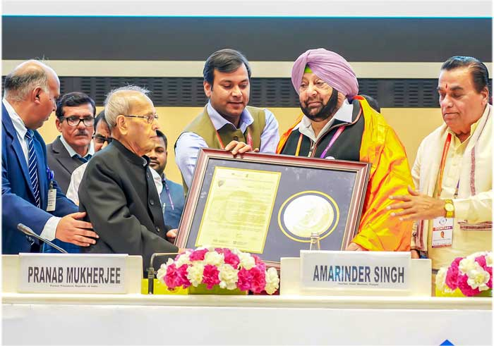 Capt Amarinder get Ideal CM Award