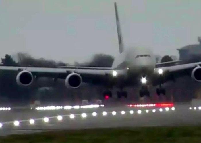 Passenger plane weighing