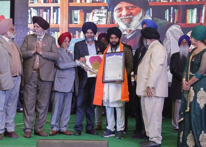 Sikhs honoured with Sikh Anmulley