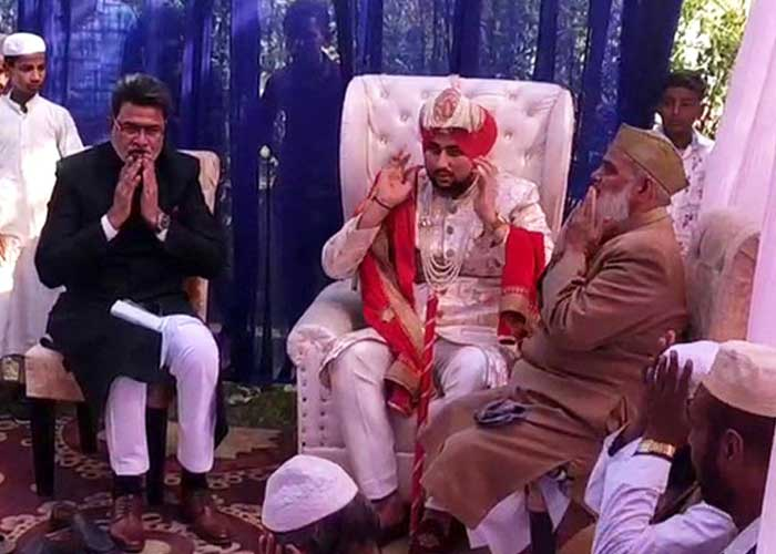 Abdul tie Turban in his marriage