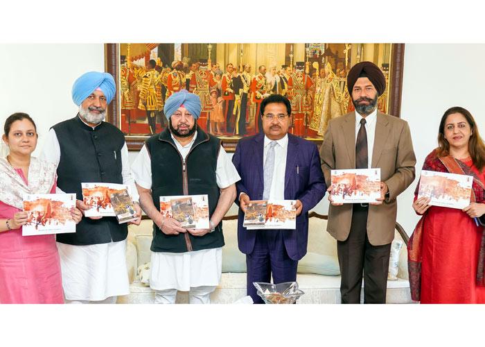 Amarinder releases booklet CD Jallianwala bagh