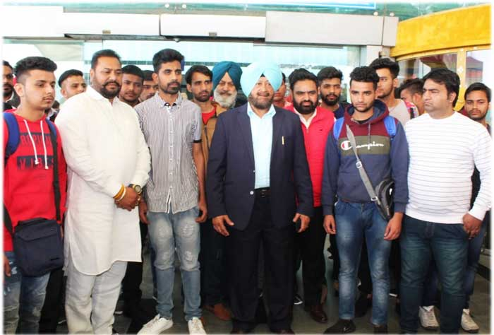 Dr SPS Oberoi with 14 Youths
