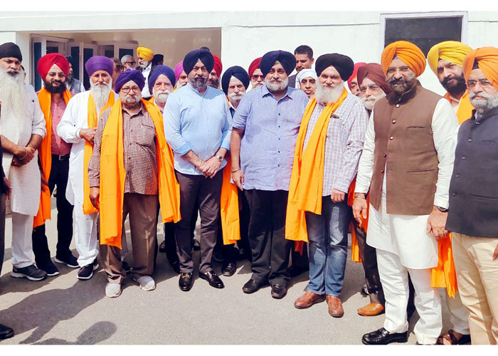 Sukhbir Badal Harjinder Singh Join SAD