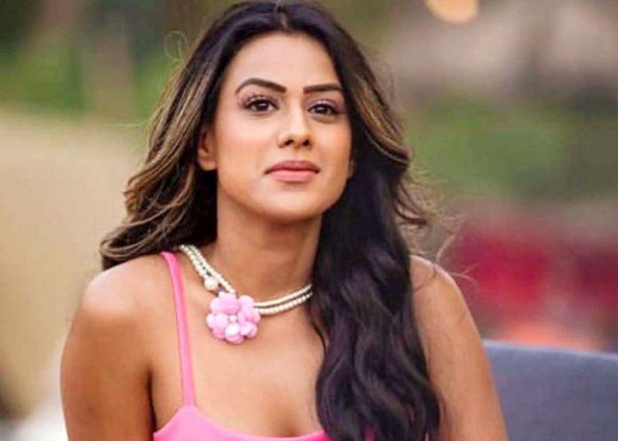 Nia Sharma blacklives