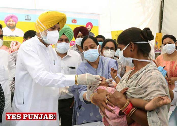 Balbir Sidhu launch Polio vaccination