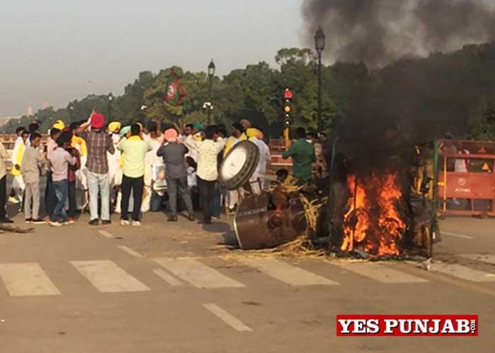 Punjab Youth Congress protest near India Gate 1